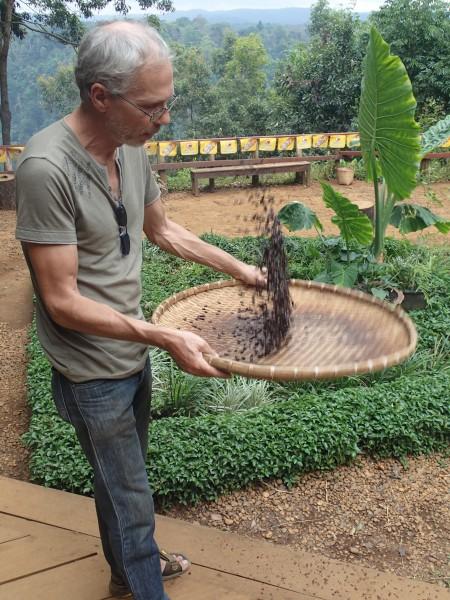 kaffe ristning i laos