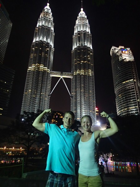 Petronas towers flex