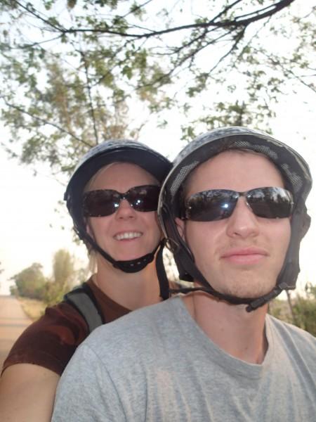 På scooteren