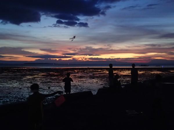 Børn med drager på Bohol